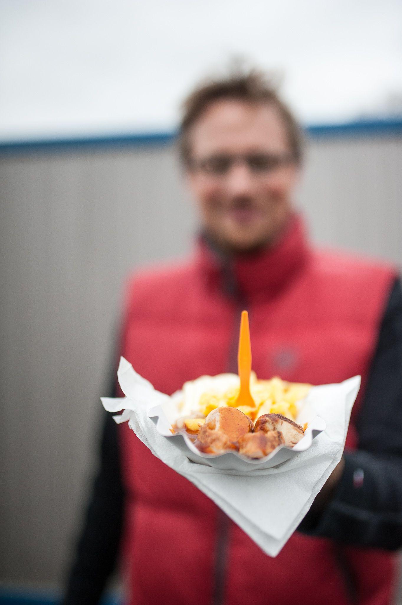 Grubenwagen Currywurst lecker